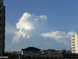 8月の雲1