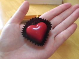 赤いハートのチョコ