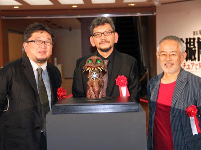 樋口真嗣、庵野秀明、鈴木敏夫プロデューサー(左から) - (C)2012 二馬力・G