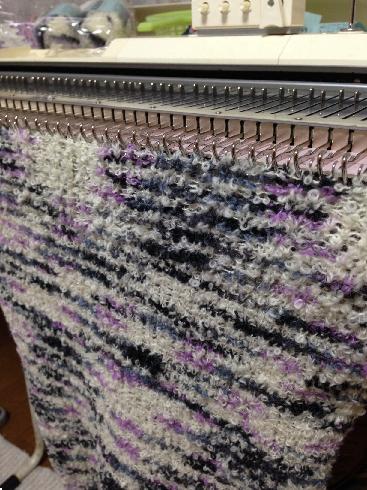 編み機でマーガレット1
