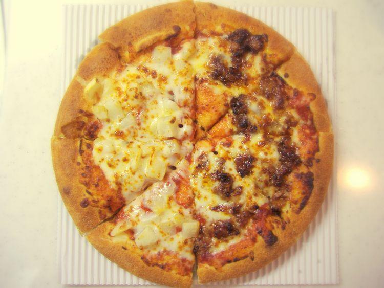 ピザハットのプルコギとポテトをトッピングしたピザ
