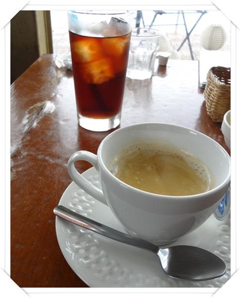 アイスティーとカフェラテ