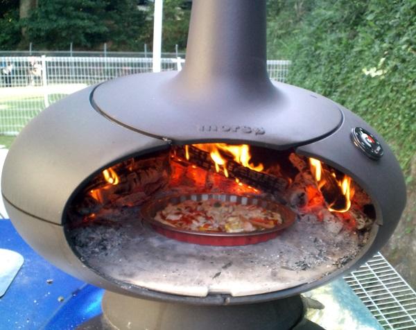 ピザ焼き中