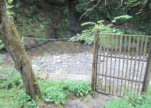 5)川床は閉鎖中