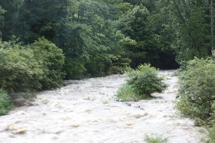 乗鞍せせらぎ街道行き川の増水