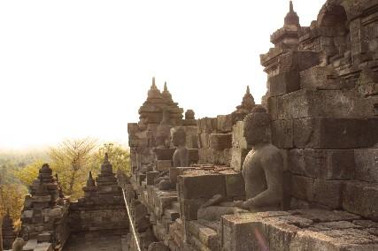 ボロブドゥール外壁の仏陀