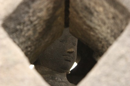 ボロブドゥールストゥーパ内の仏陀