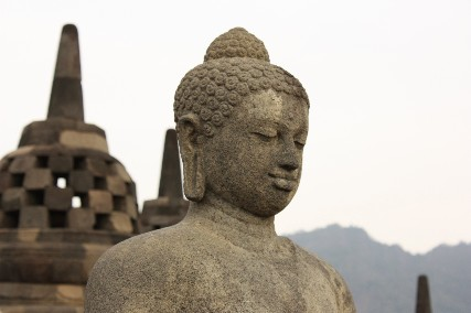 ボロブドゥールストゥーパが取れた仏陀