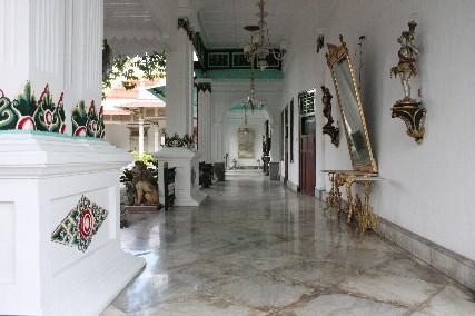 クラトン大理石の廊下