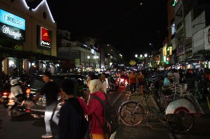 マリオボロ通り夜1
