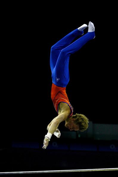 Artistic+Gymnastics+World+Championships+2009+-CxHrotc8Zil.jpg