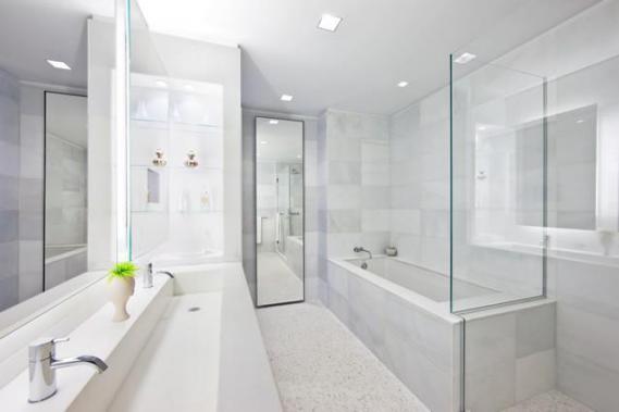 the_laurel_master_bathroom.jpg