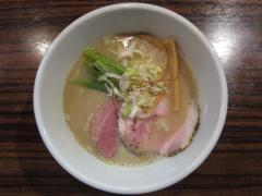 麺や 而今【弐五】 ~【月曜営業開始記念限定】豚骨白湯そば~-4
