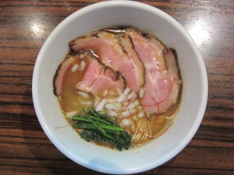 『麺や而今』で「ファイティングニボ2 」限定♪-3