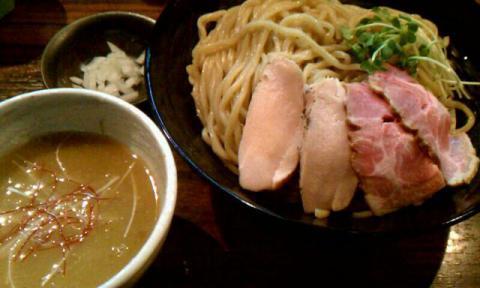 『麺や 而今』×『かしや』コラボ ~貝出汁トリトン白湯つけ麺「しみじみしじみ」~