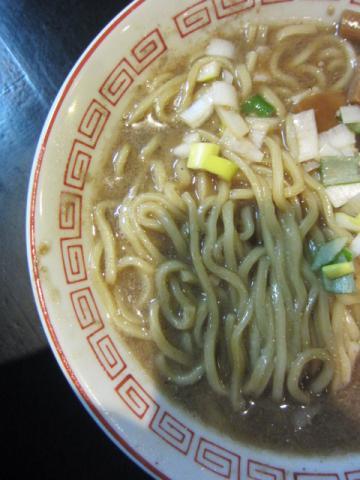 『肉汁やZORO 』で『中華ソバ伊吹』監修の年末年始「煮干し中華そば」限定♪-5