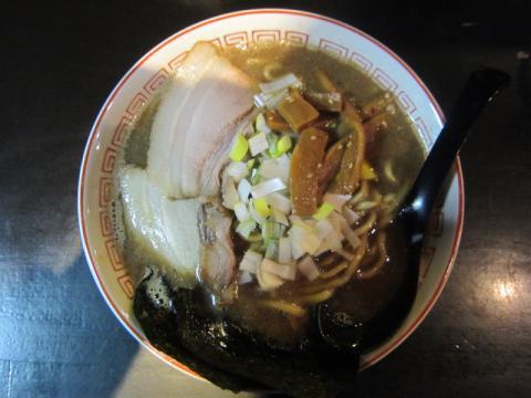 『肉汁やZORO 』で『中華ソバ伊吹』監修の年末年始「煮干し中華そば」限定♪-4