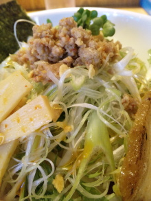 ソラトブ ドンブリ in 愛知-ミンチ、野菜