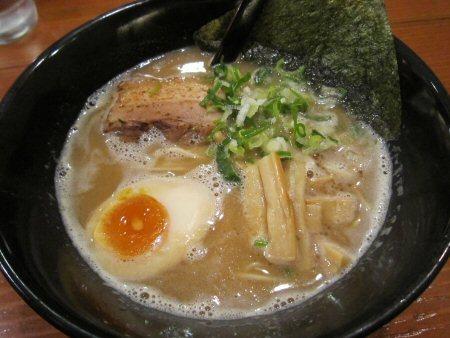 ソラトブ ドンブリ in 愛知-とんこつ醤油らーめん(¥680)