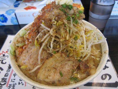 ソラトブ ドンブリ in 愛知-たっぷりもやしと味付け背アブラの醤油ラーメン(¥800)