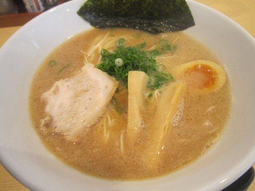 ソラトブ ドンブリ in 愛知-豚骨醤油らーめん(¥680)
