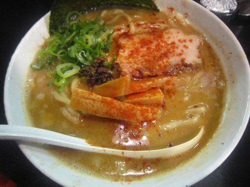 ソラトブ ドンブリ in 愛知-赤の麺(¥750)