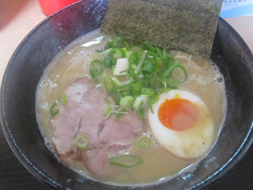 ソラトブ ドンブリ in 愛知-濃厚鶏白湯めん(¥650)