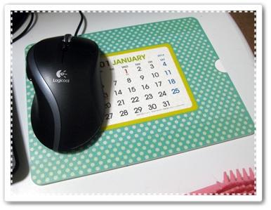 100均カレンダーマウスパット