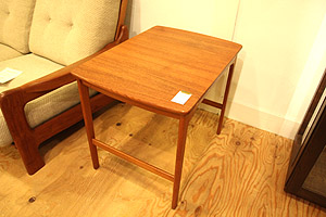 130105北欧スウェーデン製チーク材サイドテーブル