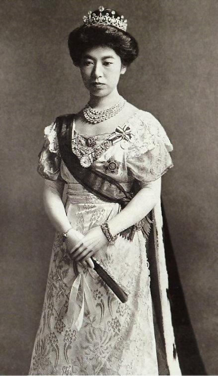 Empress_Sadako.jpg