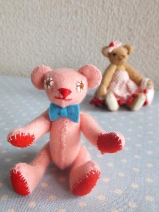 pinkfeltbear02.jpg