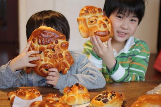 おこったママの顔のパン