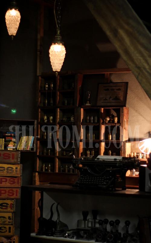 関西 神戸 アンティークランプ インダストリアル照明 工業系ライト シャンデリア Hi-Romi.com ショールーム