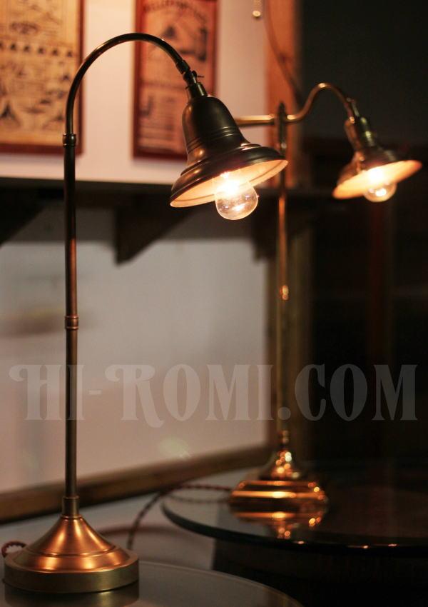 USAヴィンテージ角度調整付ファーマシー真鍮製テーブルライト/工業系アトリエ照明 店舗 設計 ショップ 建築 デザイン 照明 計画 ライト ランプ20130730-2