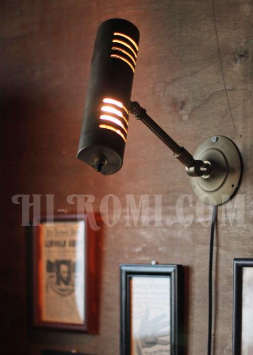 アメリカンヴィンテージ 角度調整付真鍮製ウォールブラケット/ピクチャーライト/アンティーク工業系/店舗 設計 デザイン 照明 計画 修理 輸入 販売 関西 神戸 Hi-Romi.com ハイロミドットコム 20131105-