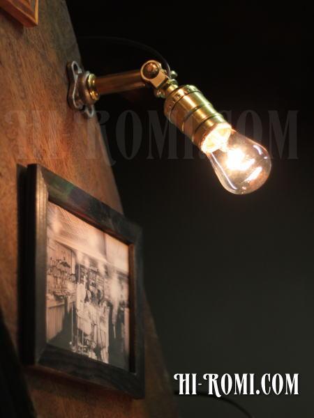 USAヴィンテージ工業系角度調整付壁掛ライトアンティークアトリエ照明