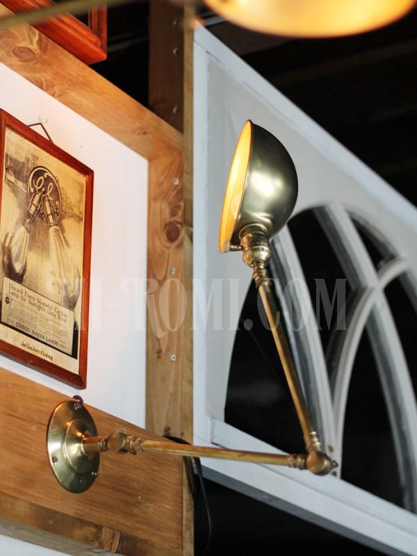 アメリカヴィンテージ角度調整&ラウンドシェード付真鍮ブラケットランプC/アンティークインダストリアルライト照明