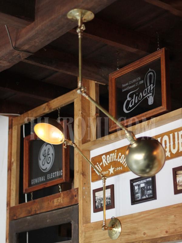 アメリカヴィンテージ角度調整&ラウンドシェード付真鍮ブラケットランプ/アンティークインダストリアルライト照明