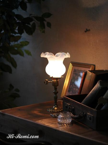 ヴィンテージ鍵スイッチ付き乳白ガラスのシェード付き真鍮テーブルランプ/アンティーク卓上カフェライト 関西 神戸 Hi-Romi.com オーバーホール リペア リモデリング