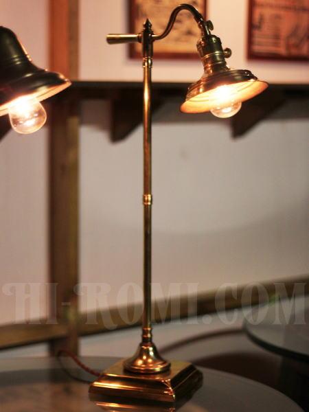 USAヴィンテージスウィングハンドル角型台座角度調整付ファーマシー真鍮製テーブルライト/工業系アトリエ照明/店舗 設計 デザイン 照明 計画 修理 輸入 販売 関西 神戸 Hi-Romi.com ハイロミドットコム