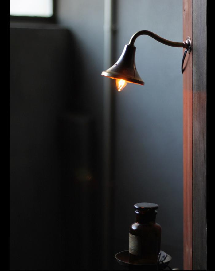 真鍮ベル型シェード壁掛ライト/アンティーク照明ウォールランプ