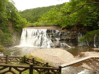 バスハイク 滝