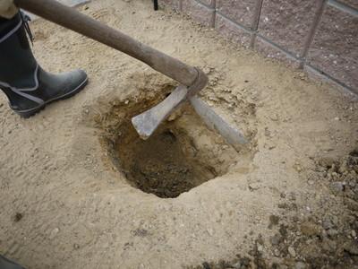 アーチ付近の穴20121014