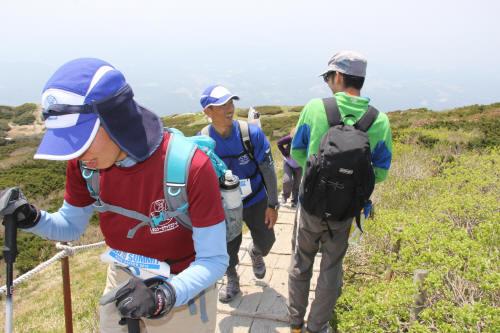 しまヤックチーム登頂