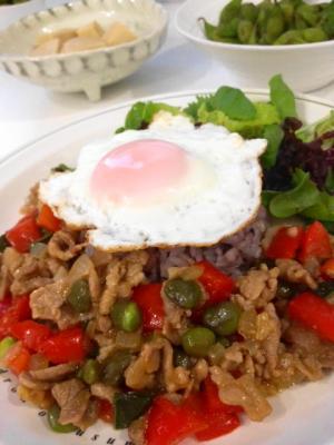 豚肉と枝豆のガパオライス