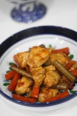 鶏とごぼうとにんじんの旨煮