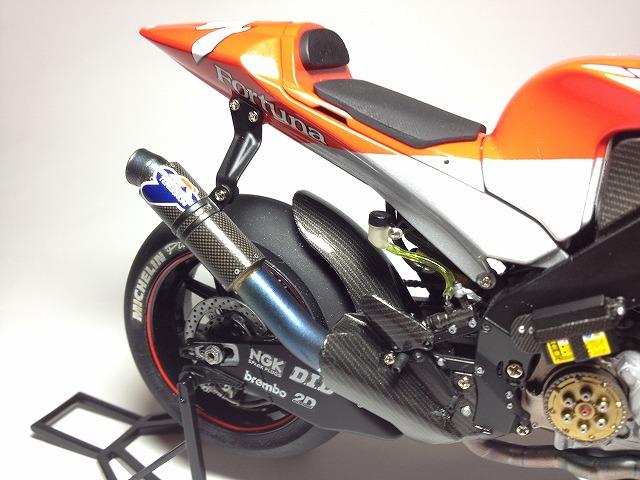 YZR-M1 エンジン写真 009DUCATI