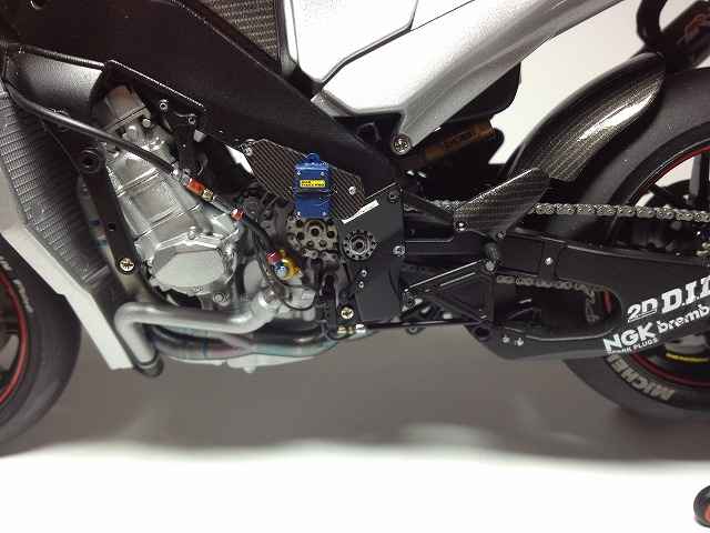 YZR-M1 エンジン写真 008DUCATI