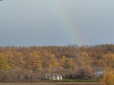 虹がうっすらと・・・