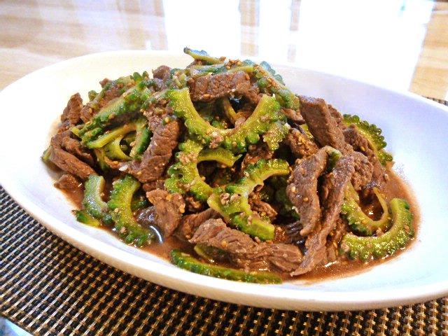 牛肉とゴーヤの塩糀胡麻炒め♪2